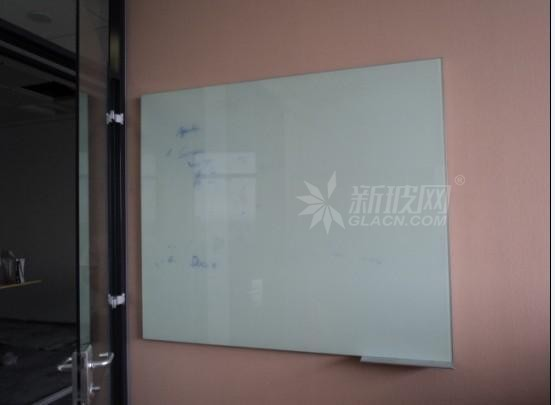 你值得拥有一款提升形象的玻璃白板