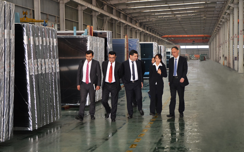 乌兹别克斯坦新任驻华大使来北玻参观交流