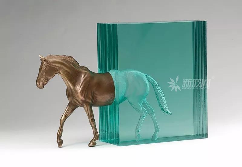 来自艺术家Ben Young的玻璃艺术品