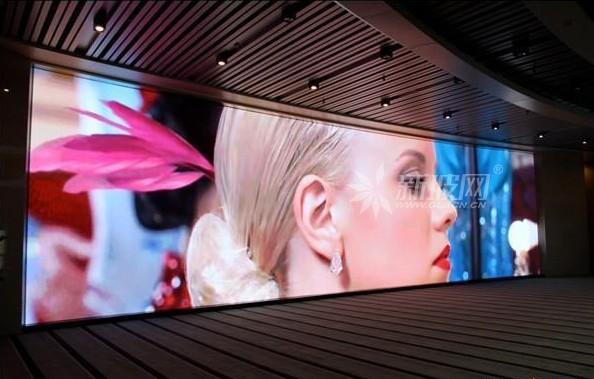 头形LED显示屏带来新颖互动模式
