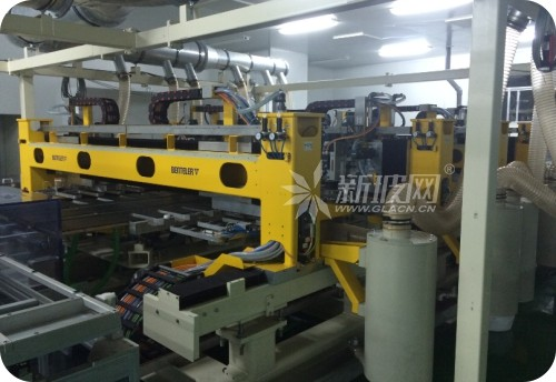 平板显示玻璃基板成套生产装备打破国外垄断