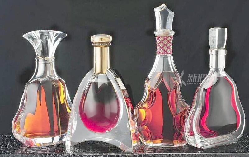 酒类过度包装亟须规范 代表建议白酒统一用玻璃瓶