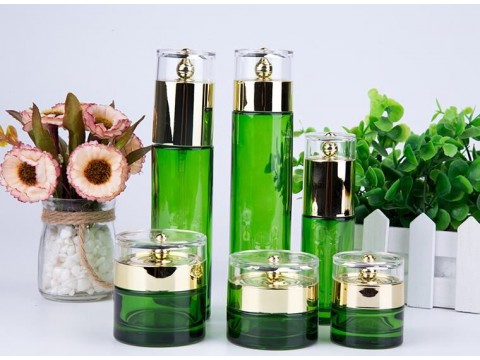 化妆品包装瓶子  化妆品瓶子厂家  玻璃瓶厂家 乐鑫玻璃制品