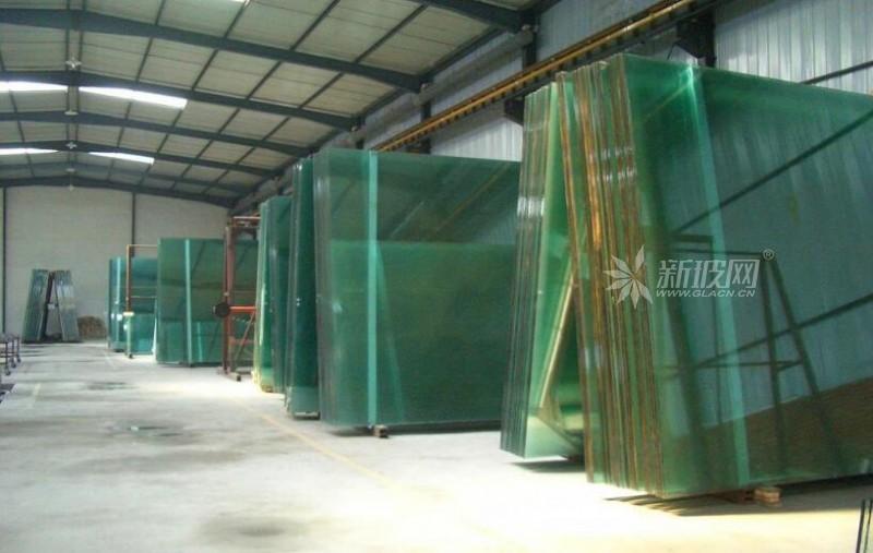 玻璃库存继续增加,市场信心表现不佳