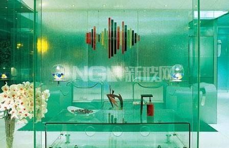 装饰玻璃:种类繁多 花色各异