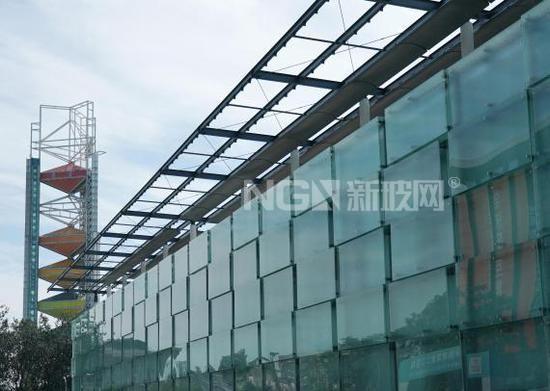 """""""冰堡""""初露!国家体育馆扩建部分玻璃幕墙施工完成"""