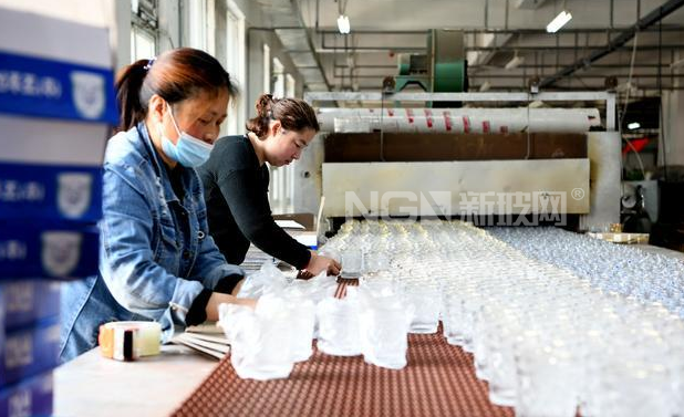 淮南:玻璃礼品产销旺