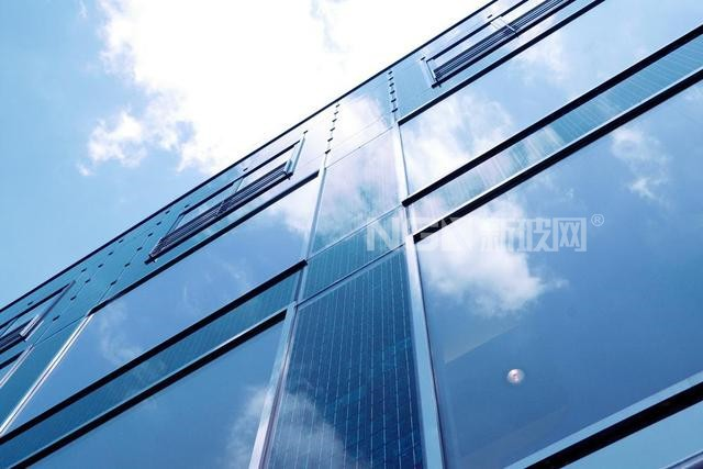 产能未落地已有长单上门 德力股份与隆基股份签署55亿光伏玻璃合同